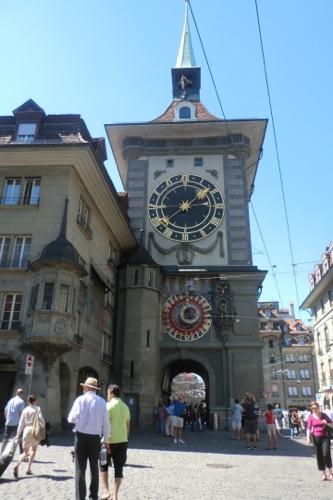 歴史を感じる時計塔