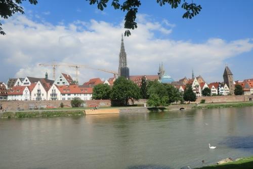 ドナウ川と大聖堂