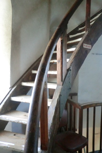 灯台の螺旋階段