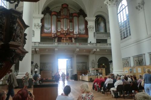 オルガンの演奏