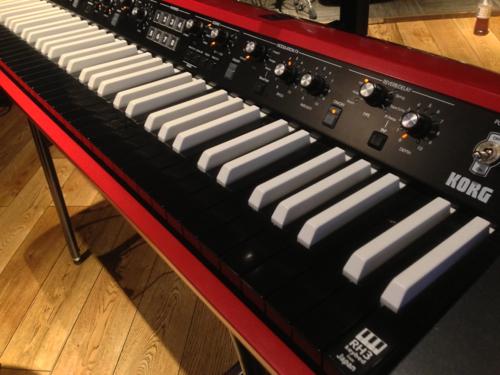 スタジオにKORG SV-1 73 Reverse Keyのキーボードがあったので試してみました