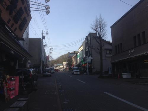 温泉街の通り