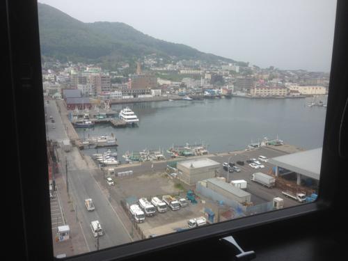 部屋の窓から景色