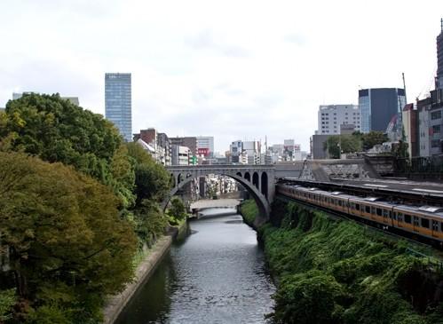 東京御茶ノ水のアコギショップ巡り 各店の感想など