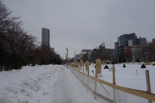 大通り公園へ向かう道