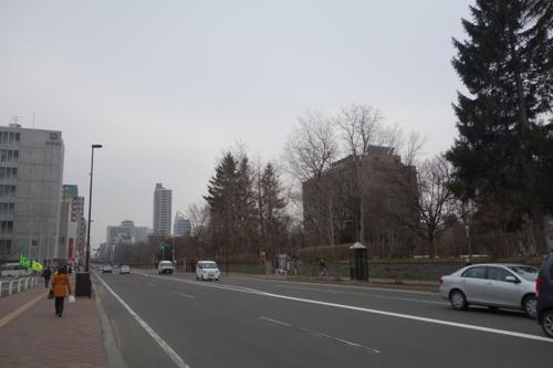 たまには一人静かに仕事に没頭。2015年3月札幌滞在3日目