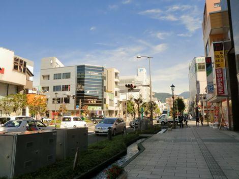 松本城へ向かう道