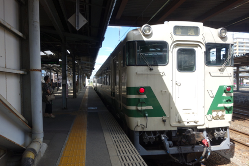 秋田駅プラットフォーム