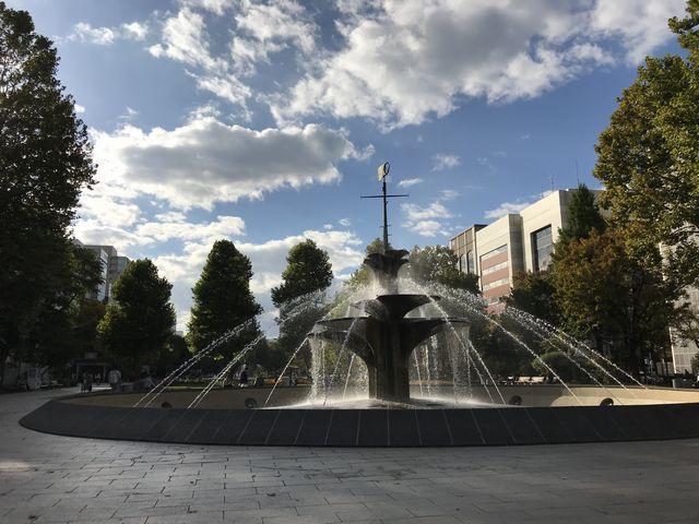 大通公園の噴水、昼間