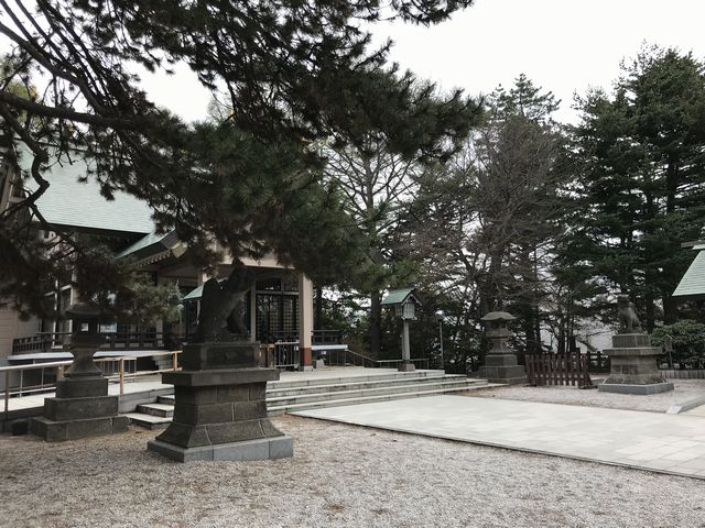 白石神社本殿
