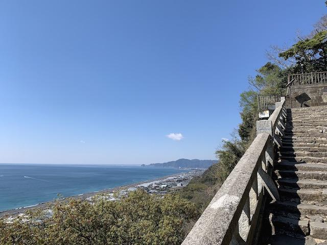 久能山登山中の景色