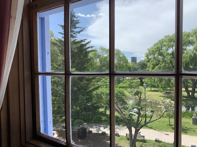 窓から見える美しい景色