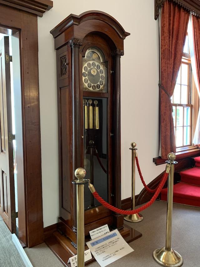 館内部の国宝の時計