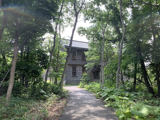 寄宿舎への道